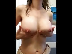 Woman getting off cunt and hooters getting off cunt