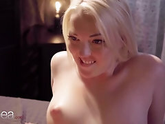 Lesbea Mary Jane scissoring and vagina licking orgasm with killer ash-blonde Czech