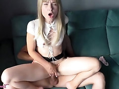 Stiff Doggystyle Screwing Chick in Splendid Mini-skirt and Blow