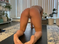 Bare Yoga and Stretching, Ideal Muscly Nuts