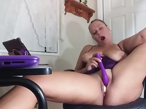 She Takes After Her Stepmom! Watching My Stepdaughters Porn Video