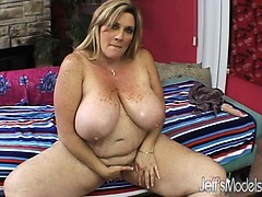 Plus-sized Deedra Rae's cunt and throat gets nailed