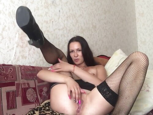 I Bring My Pussy To Orgasm With Heels