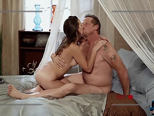 Real Life Amateur Couple Want To Do Porn And Visited The Adult Film School
